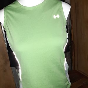 Under Armour Green & White HeatGear Tank EUC🐾